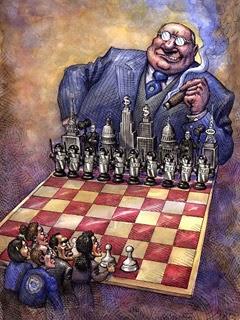 scacchiera con il plutocrate enorme cin moltissime pedine che si confronta con pochi piccoli uomini e con poche pedine