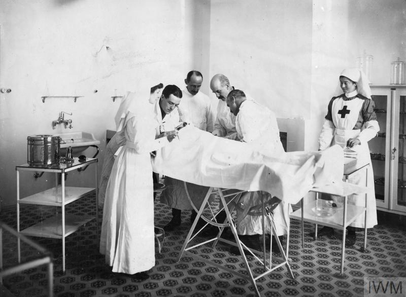 scena di ospedale nella prima guerra mondiale