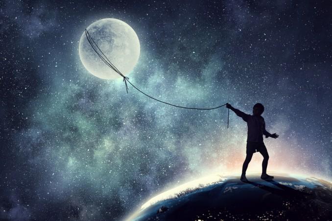 tenere la luna con un cordino