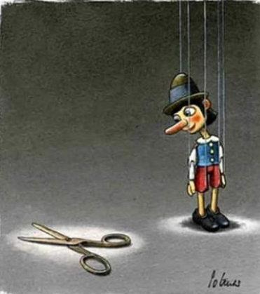 pinocchio-vuole-tagliare-i-fili-bisogno-di-liberta